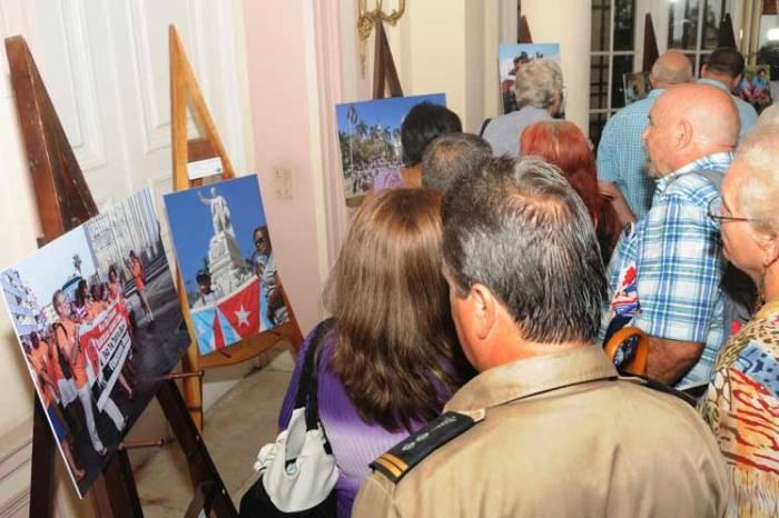 Exposición fotográfica ''Solidaridad contra Bloqueo''